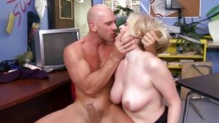 Deepthroat fellatio and eating out with Johny and his sweetie